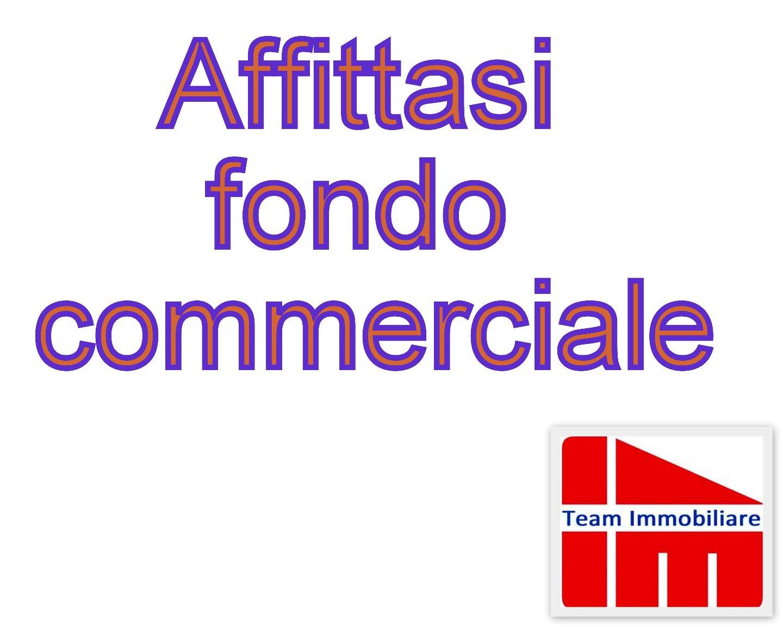 Locale comm.le/Fondo in affitto commerciale a Livorno