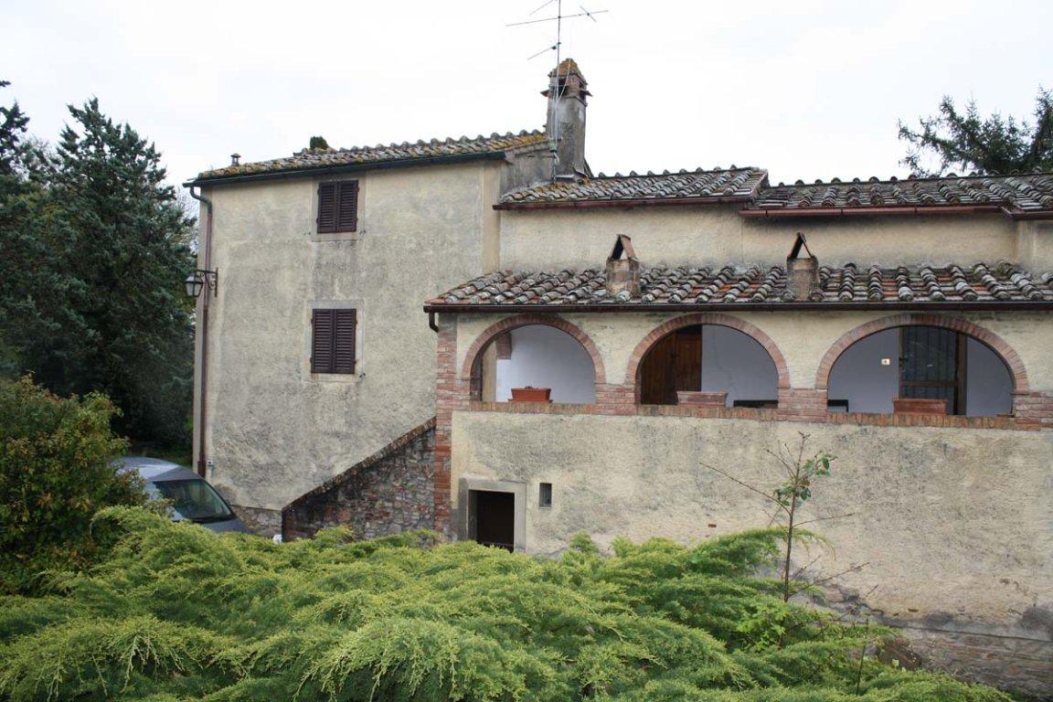 Villa in vendita a Monticiano, 10 locali, prezzo € 400.000   CambioCasa.it