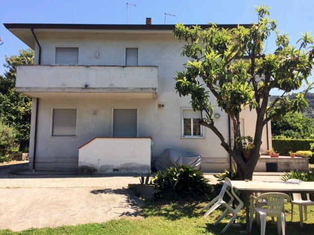 Villetta bifamiliare in vendita, rif. LOG-169