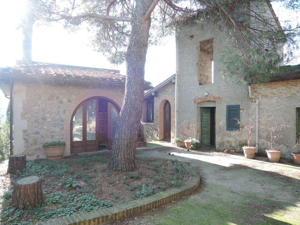 Colonica in vendita a Lamporecchio (PT)