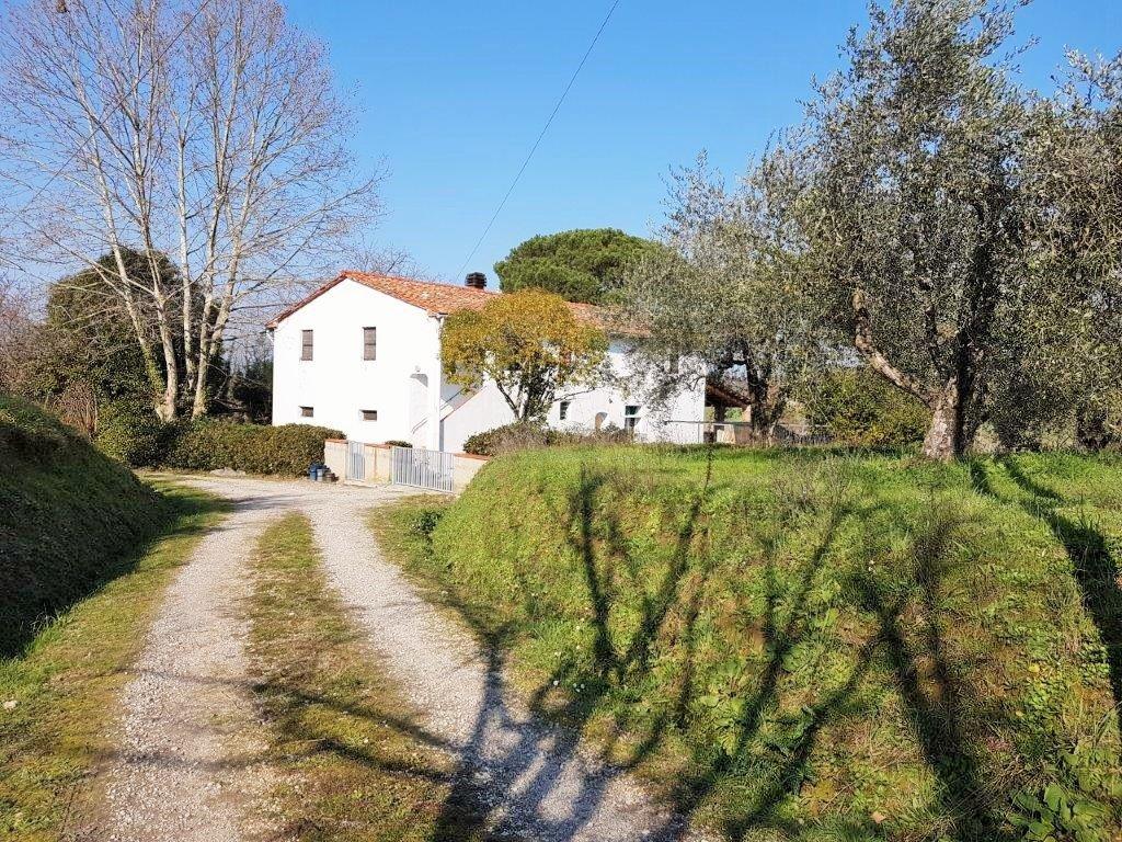 Colonica/casale in vendita a Capannoli (PI)