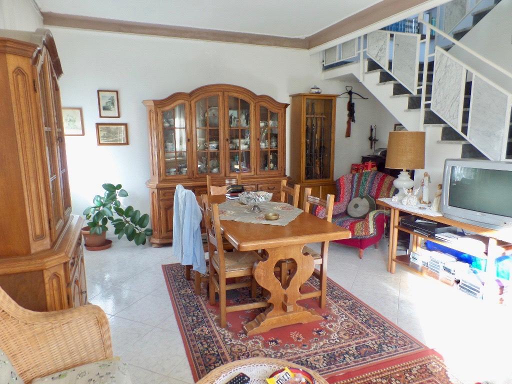 Villa singola in vendita, rif. LOG-172