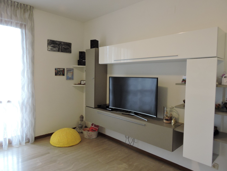 Appartamento in affitto, rif. a39/199