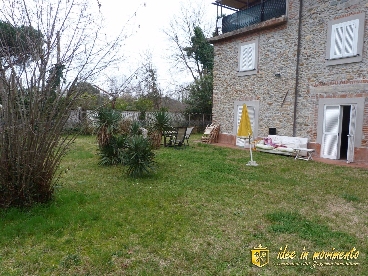 Casa semindipendente in vendita a Cinquale, Montignoso (MS)