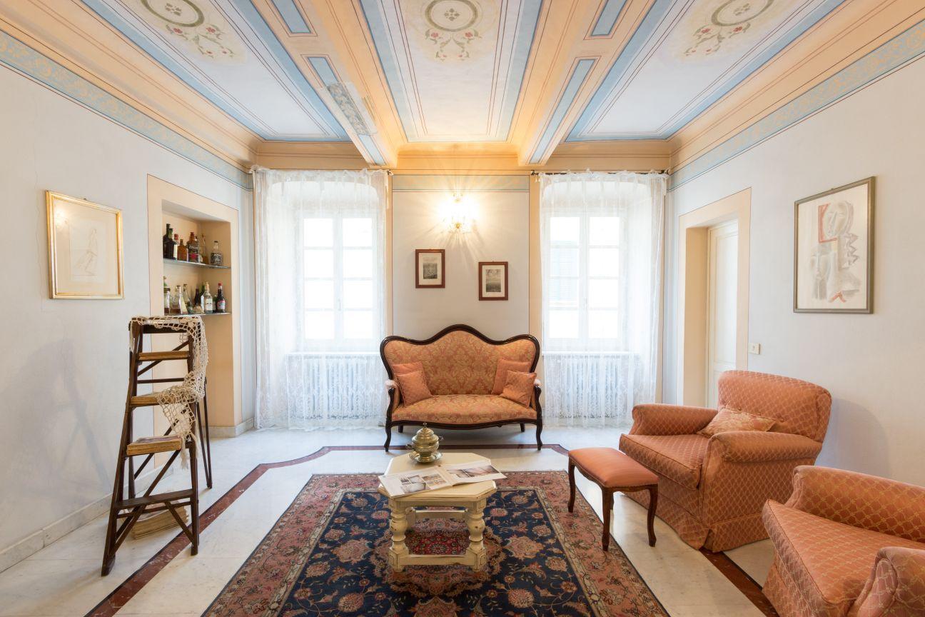 Appartamento in affitto, rif. LOG-184