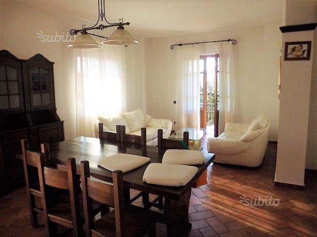 Casa singola in affitto a Montignoso (MS)
