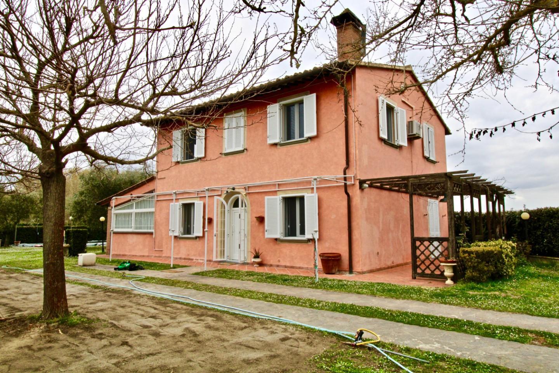 Colonica in vendita a Terricciola (PI)