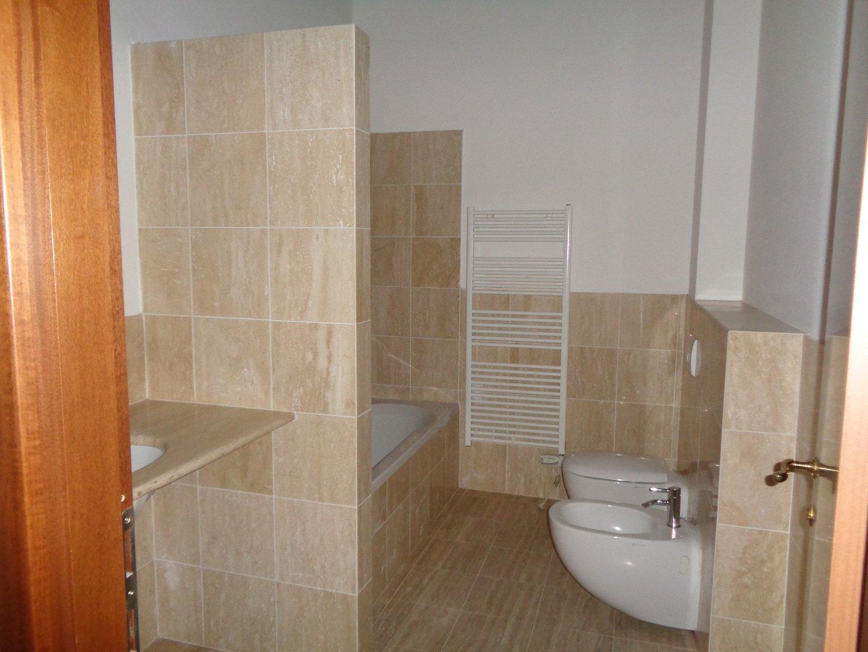 Appartamento in affitto, rif. A01af
