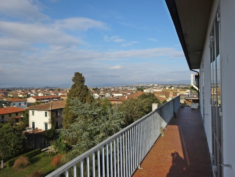 Attico / Mansarda in vendita a Santa Croce sull'Arno, 7 locali, prezzo € 125.000 | PortaleAgenzieImmobiliari.it