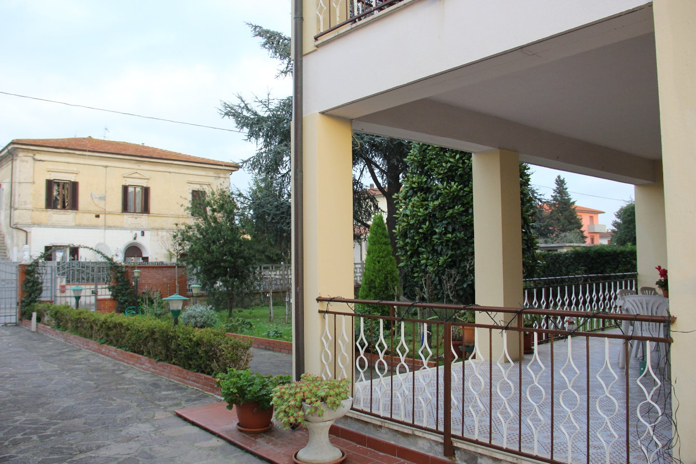 Casa singola in Vendita a Badia, Cascina (PI)