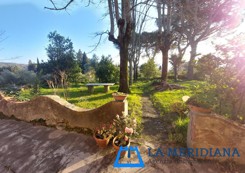 Villa in vendita a Lamporecchio, 12 locali, prezzo € 330.000 | CambioCasa.it
