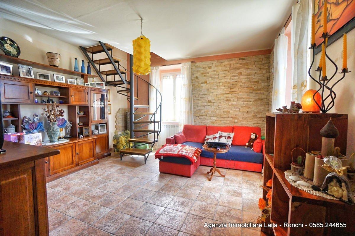 Porzione di casa in vendita a Massa