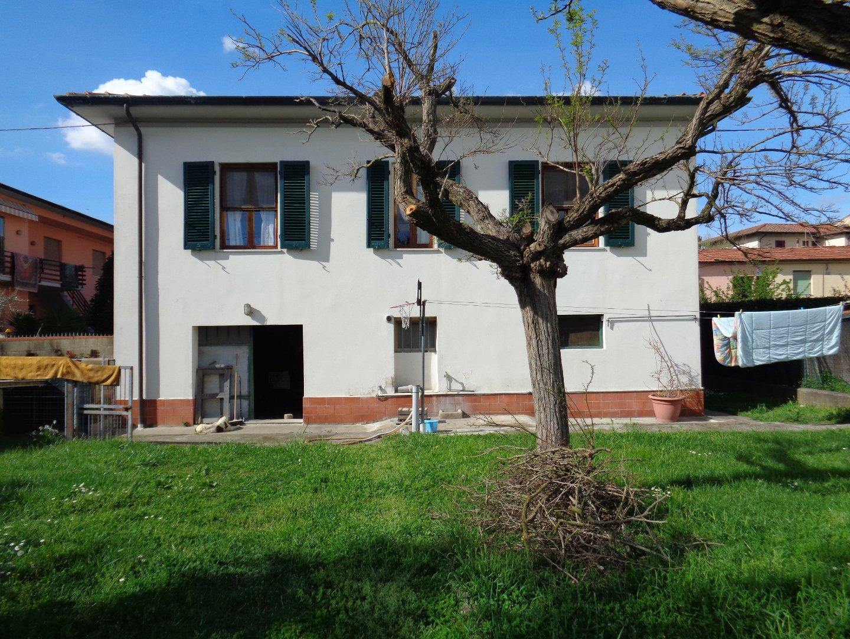 Villa singola a Calcinaia