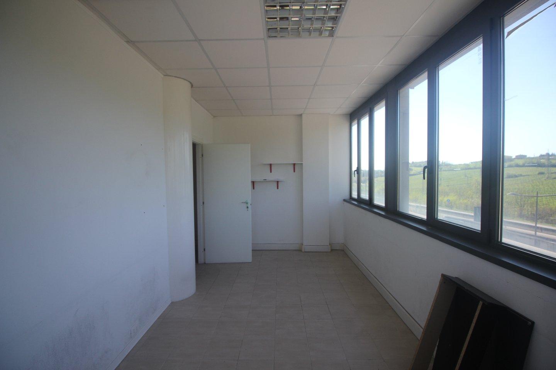 Ufficio in affitto commerciale, rif. C/48