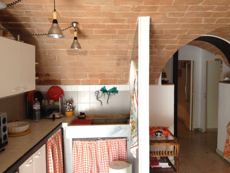 Appartamento in affitto, rif. R/153
