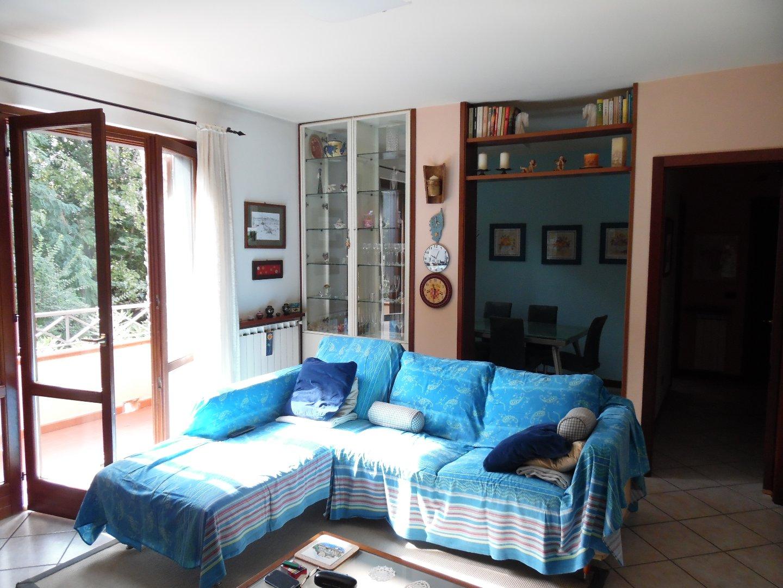 Appartamento in vendita a Ronchi, Massa
