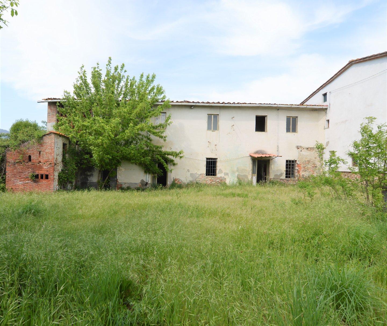 Colonica in vendita a Uzzano (PT)