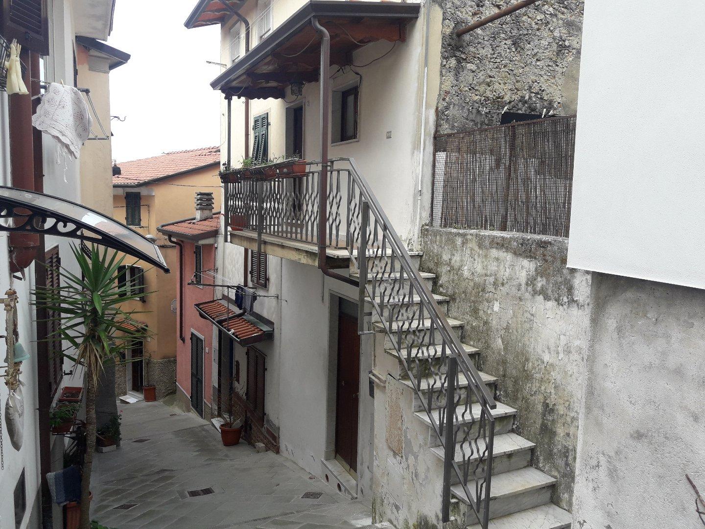 Porzione di casa in vendita a Codena, Carrara (MS)