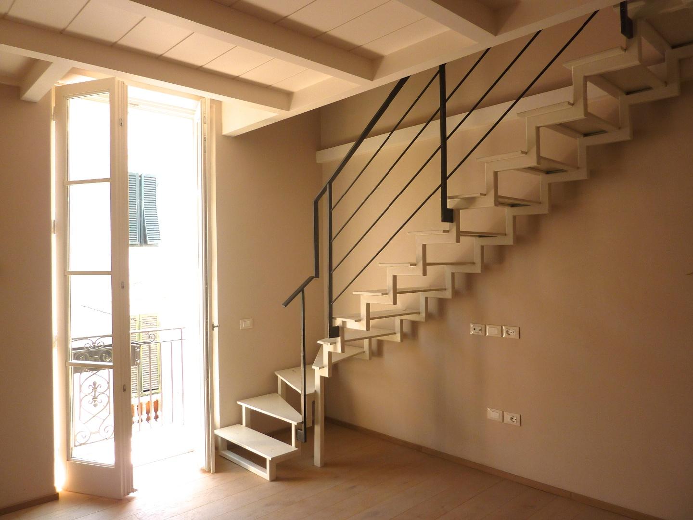 Appartamento in affitto, rif. AR-061