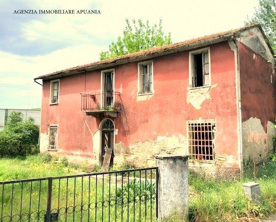 Single-family house for sale in Montignoso (MS)