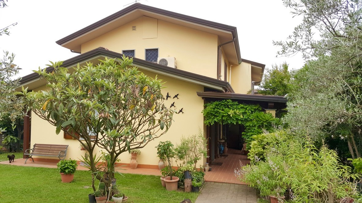 Villetta bifamiliare/Duplex in vendita, rif. LOG-217