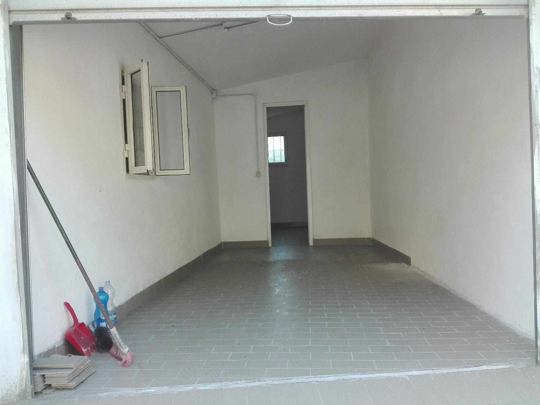 Box / Garage in vendita a Carrara, 2 locali, prezzo € 25.000 | CambioCasa.it