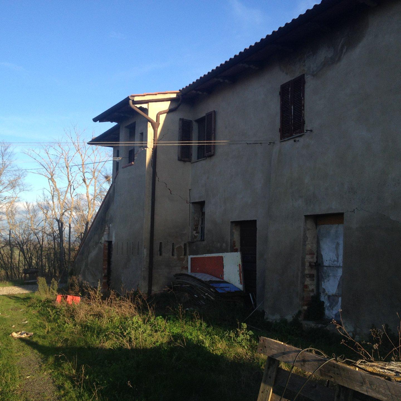 Colonica/casale in vendita, rif. R/303