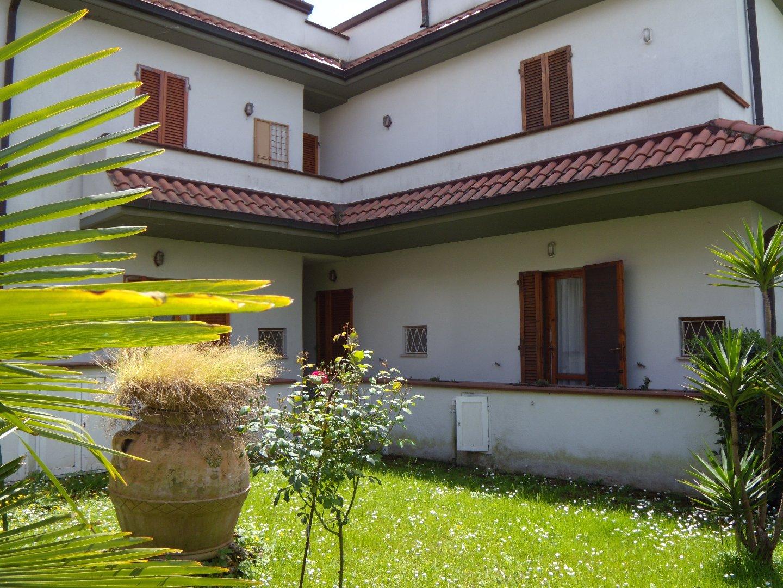 Terratetto in vendita a Massa. Rif:VL182