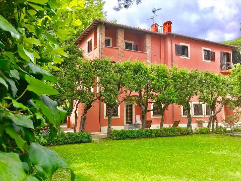 Appartamento in vendita a Roma Imperiale, Forte dei Marmi (LU)