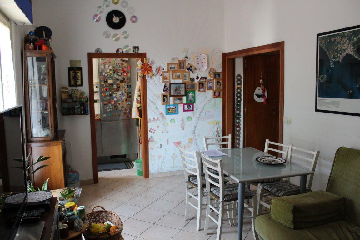 Appartamento, 90 Mq, Affitto - Pistoia (Pistoia)