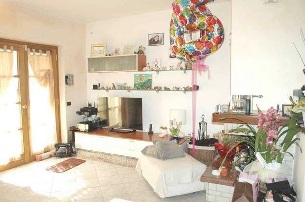 Casa semindipendente in vendita, rif. 106408