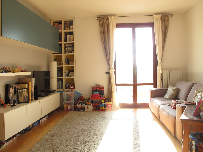 Appartamento in affitto, rif. 2704-03