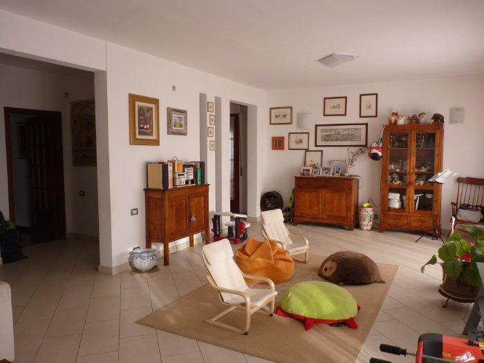 Villetta bifamiliare in vendita, rif. X136