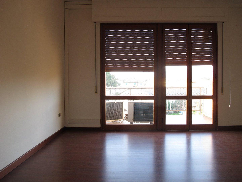 Appartamento in affitto, rif. 8105-02