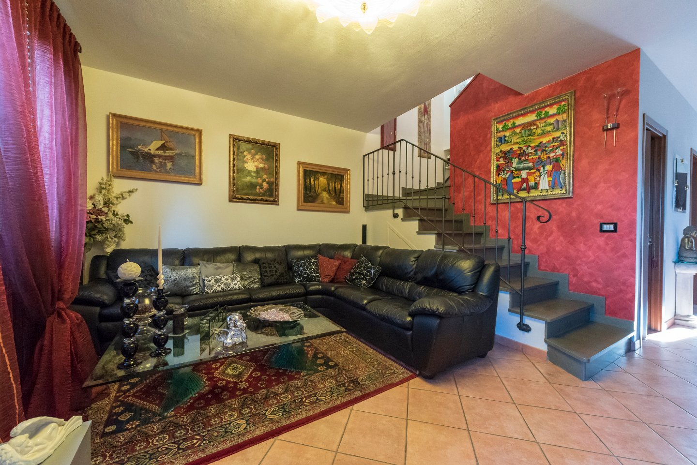 Villa a Schiera in vendita a Calcinaia, 6 locali, prezzo € 249.000   PortaleAgenzieImmobiliari.it