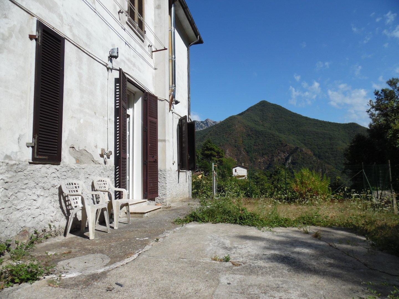 Porzione di casa in affitto a Casette, Massa
