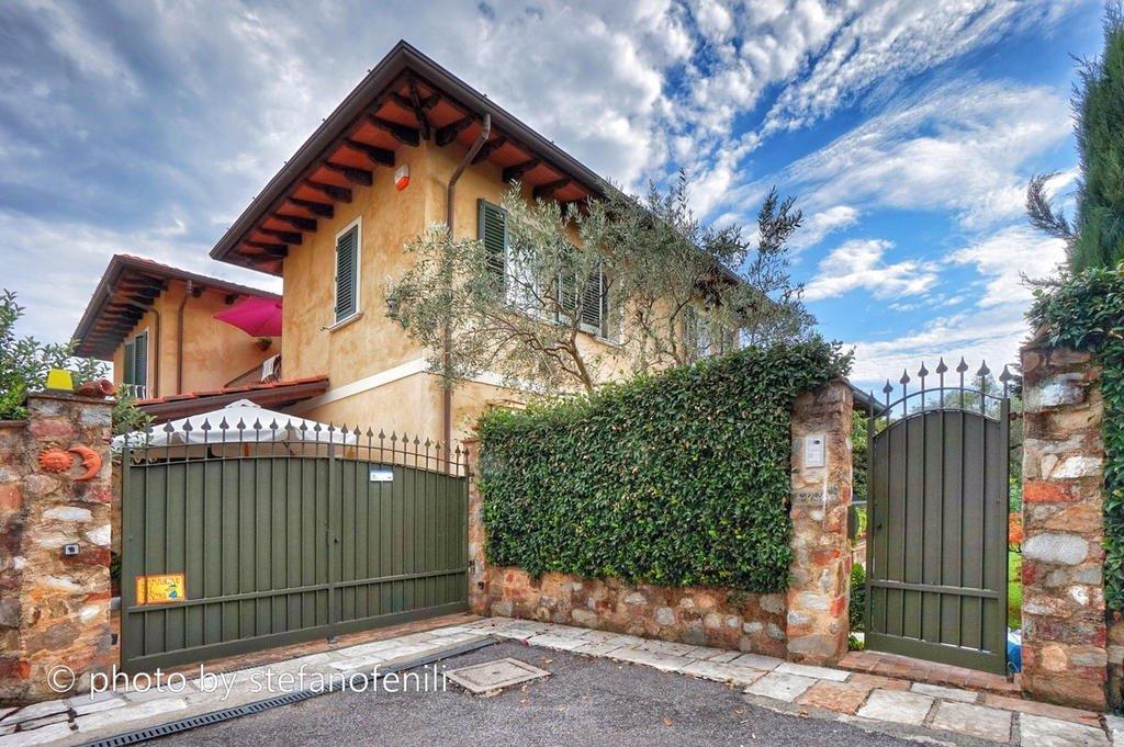 Villetta bifamiliare/Duplex in vendita, rif. LOG-223