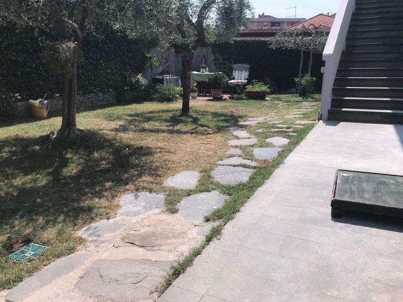 Villetta bifamiliare in vendita a Massa