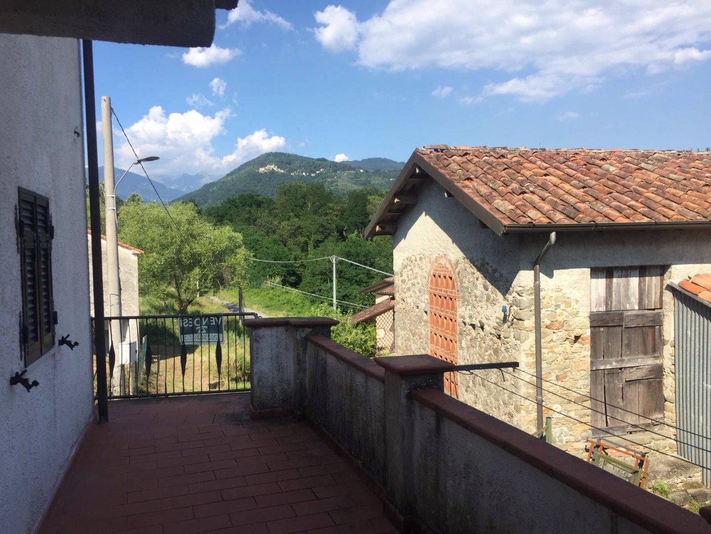Casa semindipendente in vendita a Licciana Nardi (MS)
