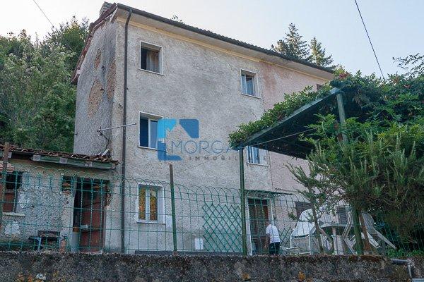 Casa semindipendente in vendita a Seravezza (LU)