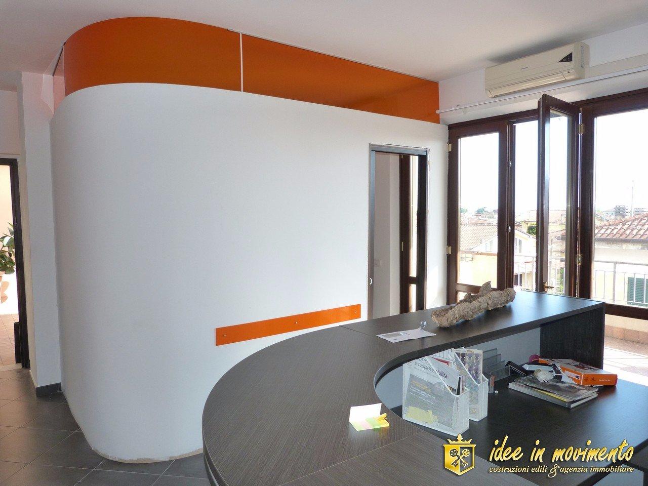 Ufficio in vendita a Mirteto, Massa