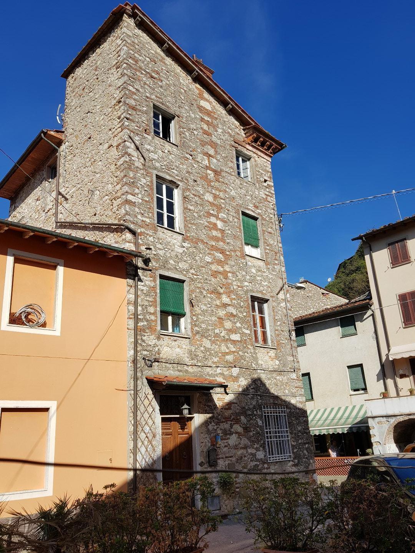 Porzione di casa in vendita a Nozzano Vecchia, Lucca