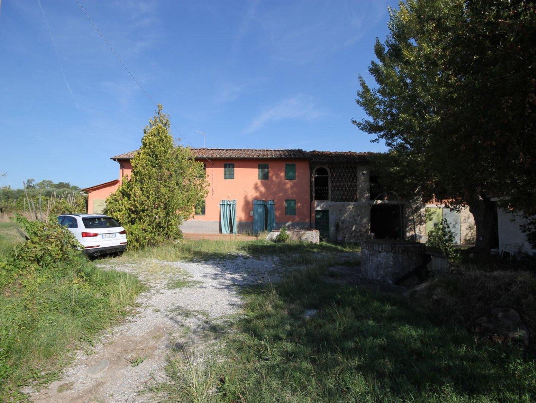 Rustico/Corte in vendita a Capannori (LU)