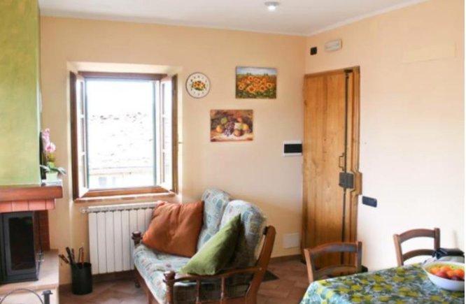Appartamento in vendita a Monticiano, 3 locali, prezzo € 65.000   CambioCasa.it
