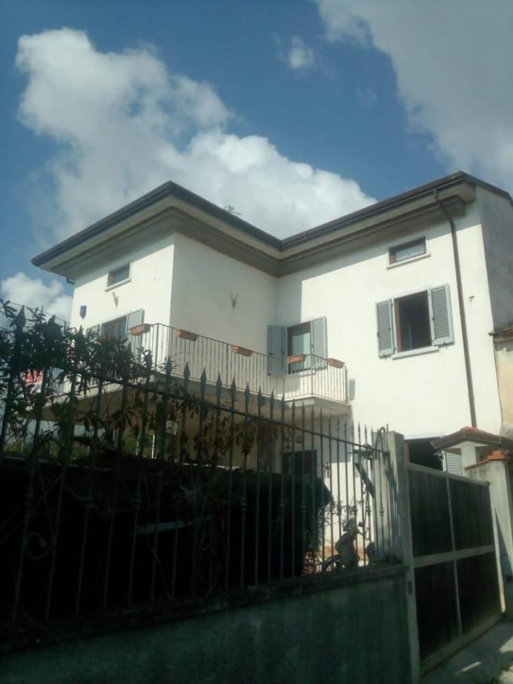 Casa singola in vendita a Fossone, Carrara (MS)