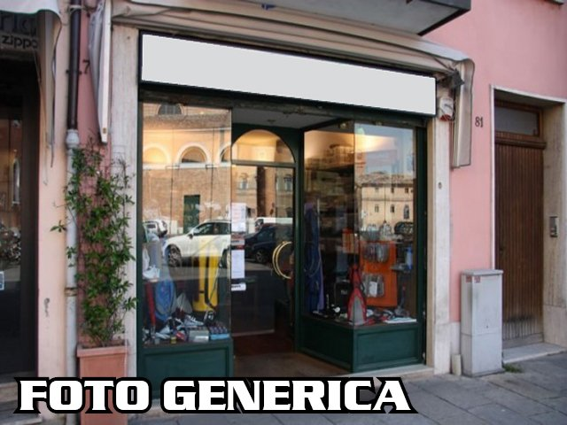 Negozio / Locale in vendita a Lamporecchio, 4 locali, prezzo € 100.000 | CambioCasa.it