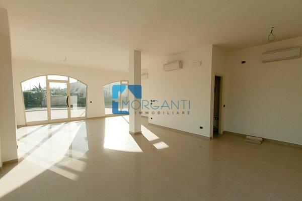 Locale comm.le/Fondo in vendita a Pietrasanta (LU)