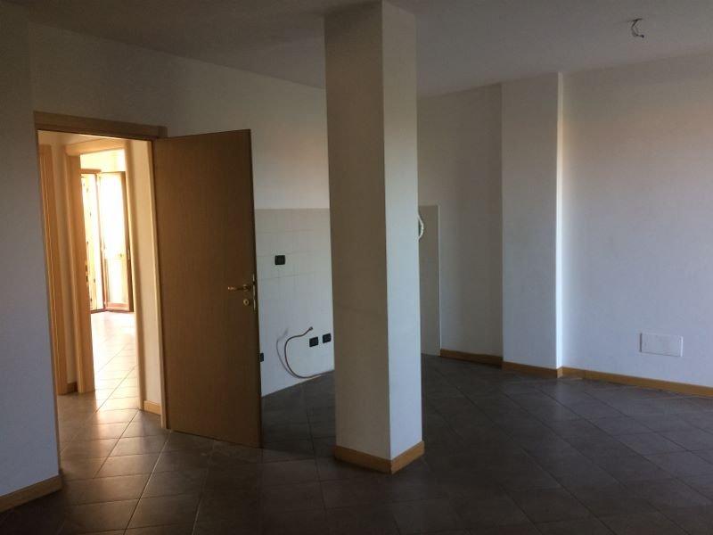 Appartamento in affitto a Colle di Val d'Elsa, 3 locali, prezzo € 700 | CambioCasa.it