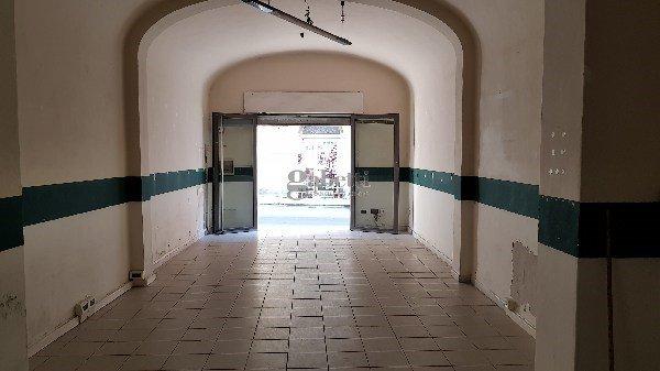 Locale comm.le/Fondo in affitto commerciale, rif. L135