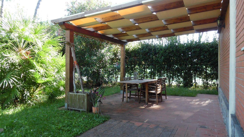 Appartamento in vendita a Montignoso (MS). Rif:VF92
